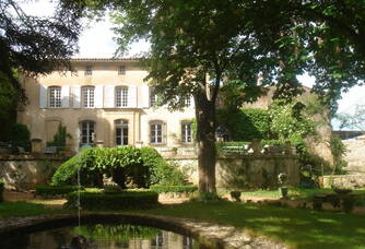 La façade du Château Barbebelle