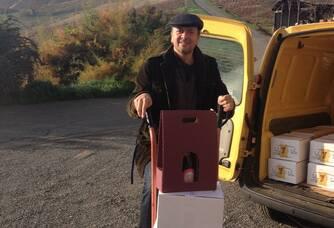 Jérémy du Domaine des Frontières prépare vos cartons !