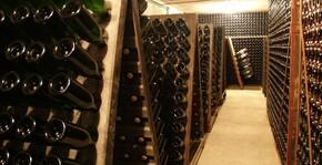 Les pupitres de remuage du Champagne Velut
