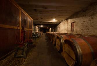 château des Arras - chai à barriques