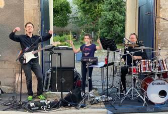 Les Desbleds Musiciens :  3 générations : Camille ma petite-fille, Michel Junior mon fils !