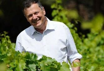Louis Fabre dans les vignes du Château de Luc