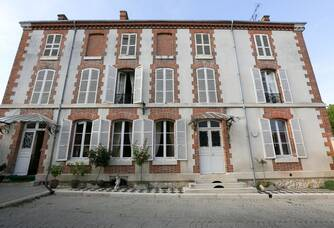 La façade du Château de la famille De Sousa