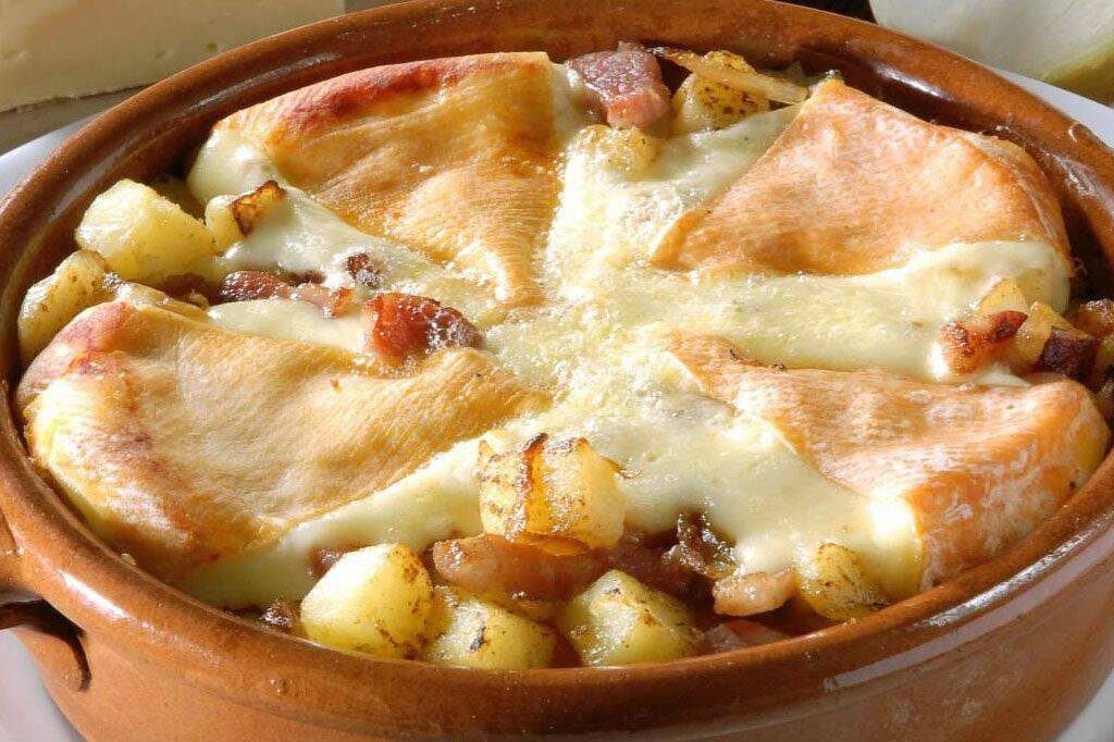 wine and tartiflette